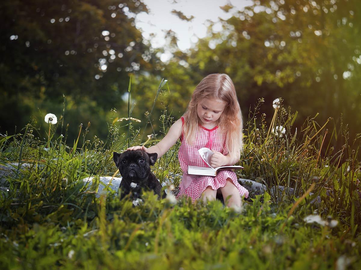 Come i cani aiutano i bimbi a imparare a leggere